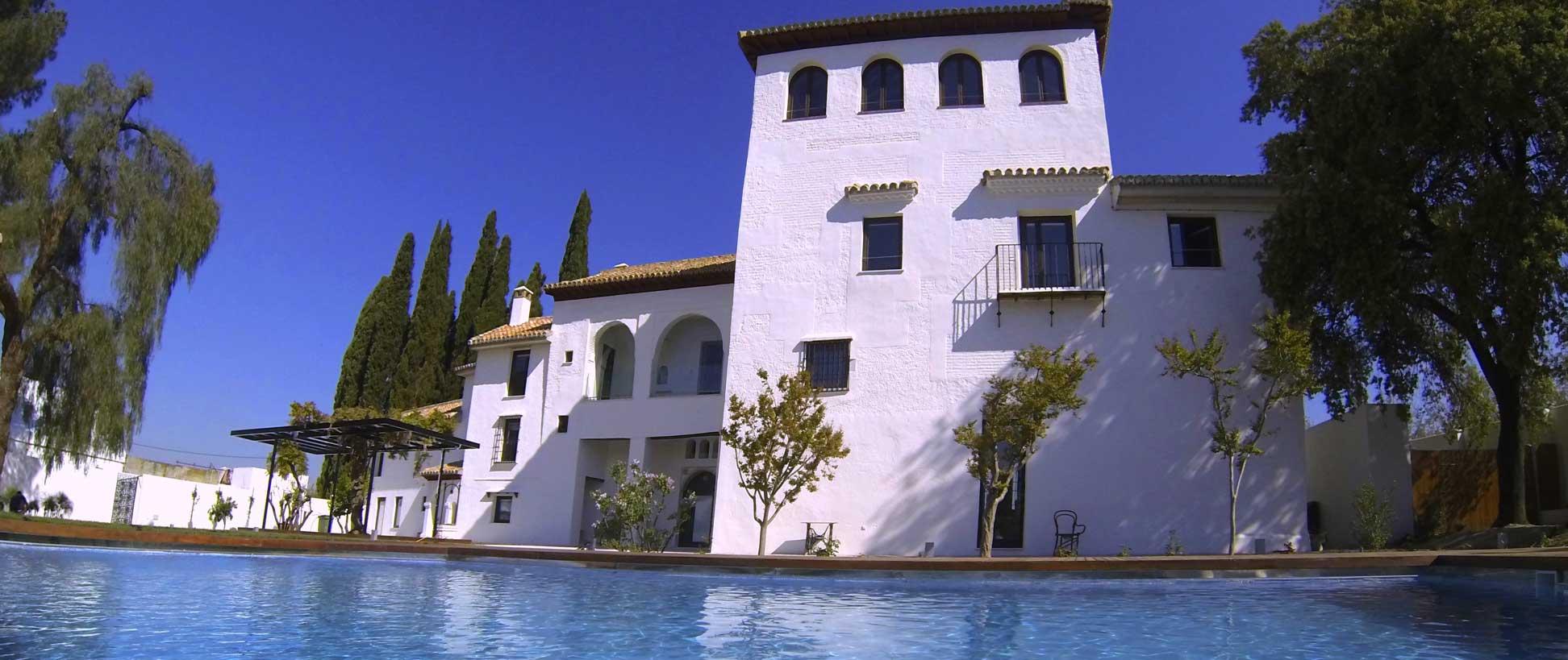 Almunia abrisud for Hotel granada piscina